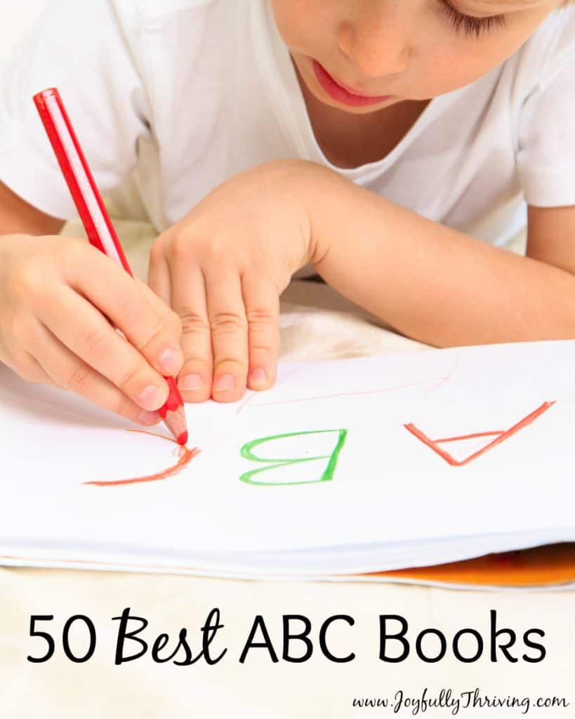 50 Best Alphabet Books with Free Printable Book List! Wow. What a great abc book list! I'm saving this to read these books with my preschooler.